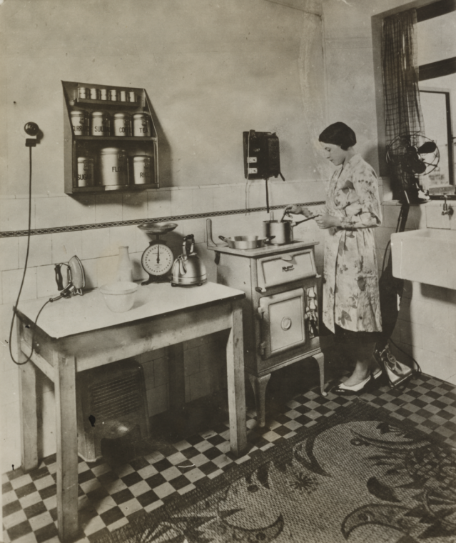 One Room Kitchen Interior Design In Mumbai: This Mid 30s Life: 1930s Housewife Challenge: The Big Day