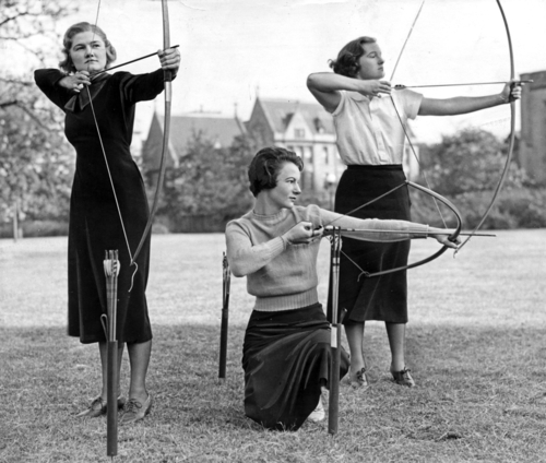arrows University of Chicago co-eds Marian McKenney, Jane Brady, and Natalie Stern, 1935