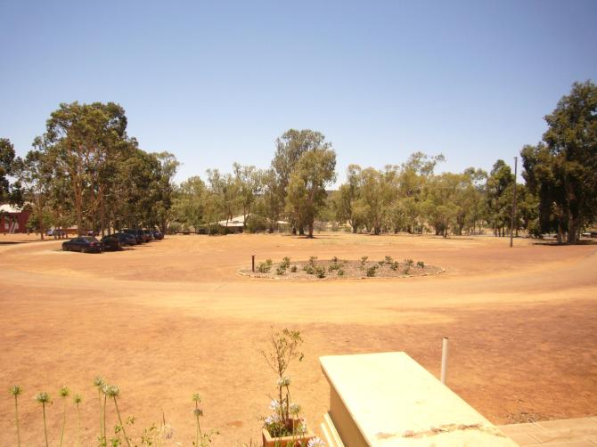 The lunch view - real West Australia and did I mention 40C?