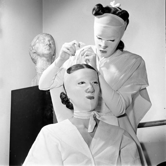 beauty 1940s beauty treatments by Helena Rubenstein