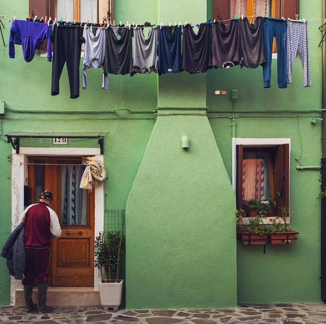 laundry line door