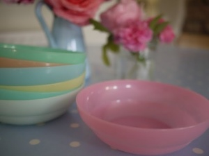 Tupperware cereal bowls
