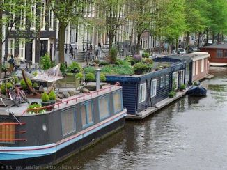 Amsterdam Style Boat Houses with green roofs!
